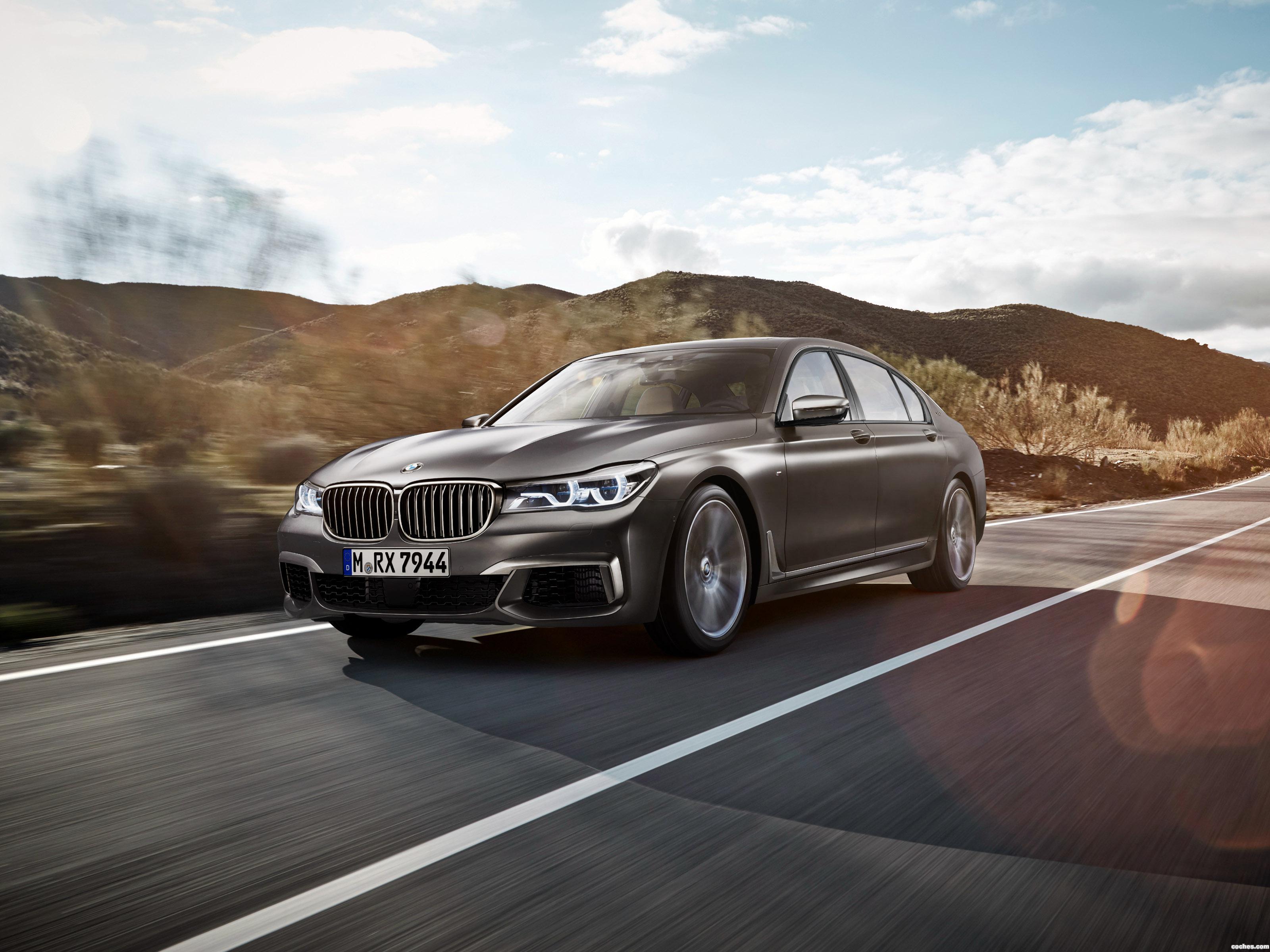 Foto 0 de BMW M760Li xDrive G12 2016