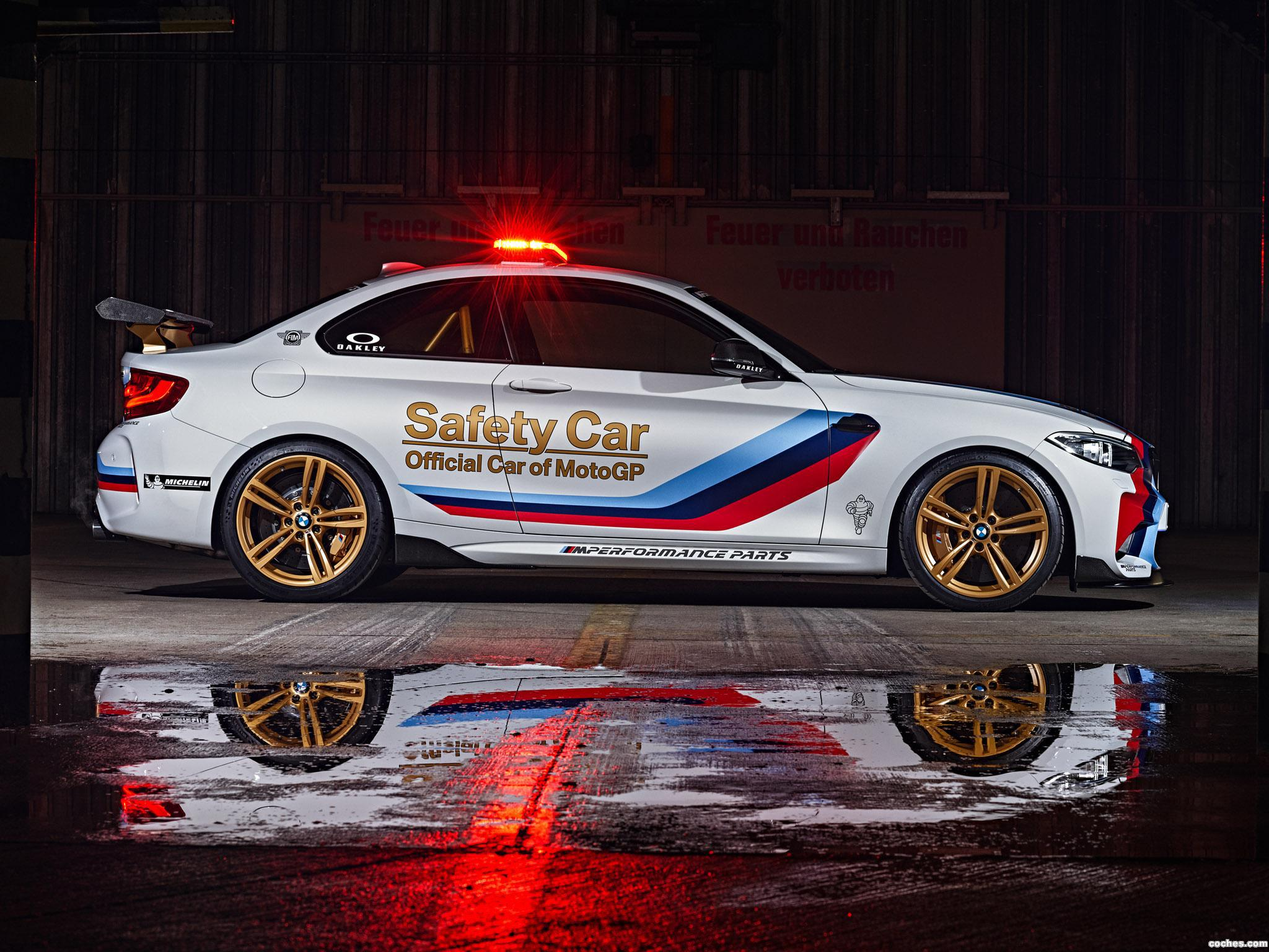 Foto 2 de BMW M2 Coupe MotoGP Safety Car F87 2016