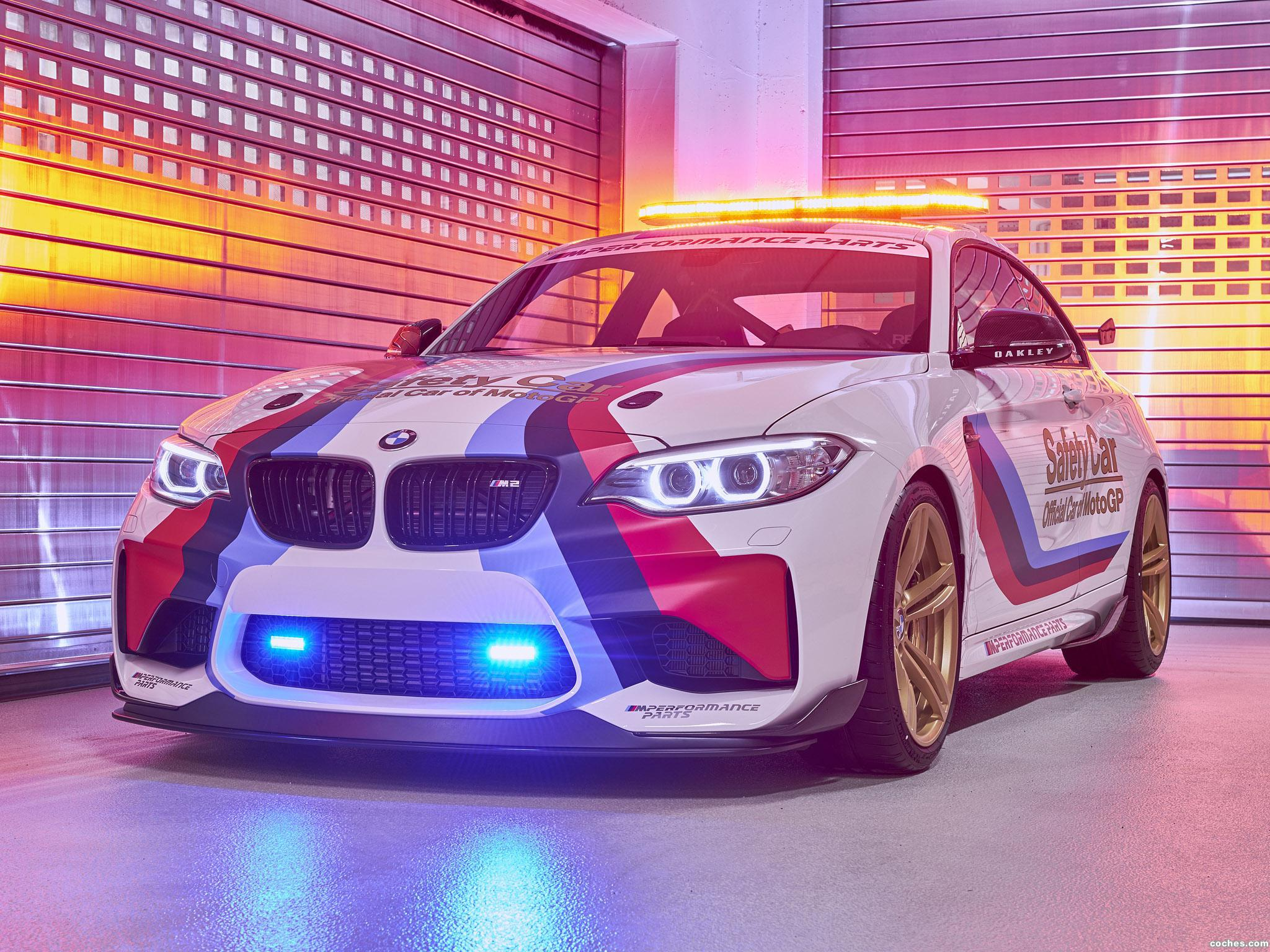 Foto 1 de BMW M2 Coupe MotoGP Safety Car F87 2016