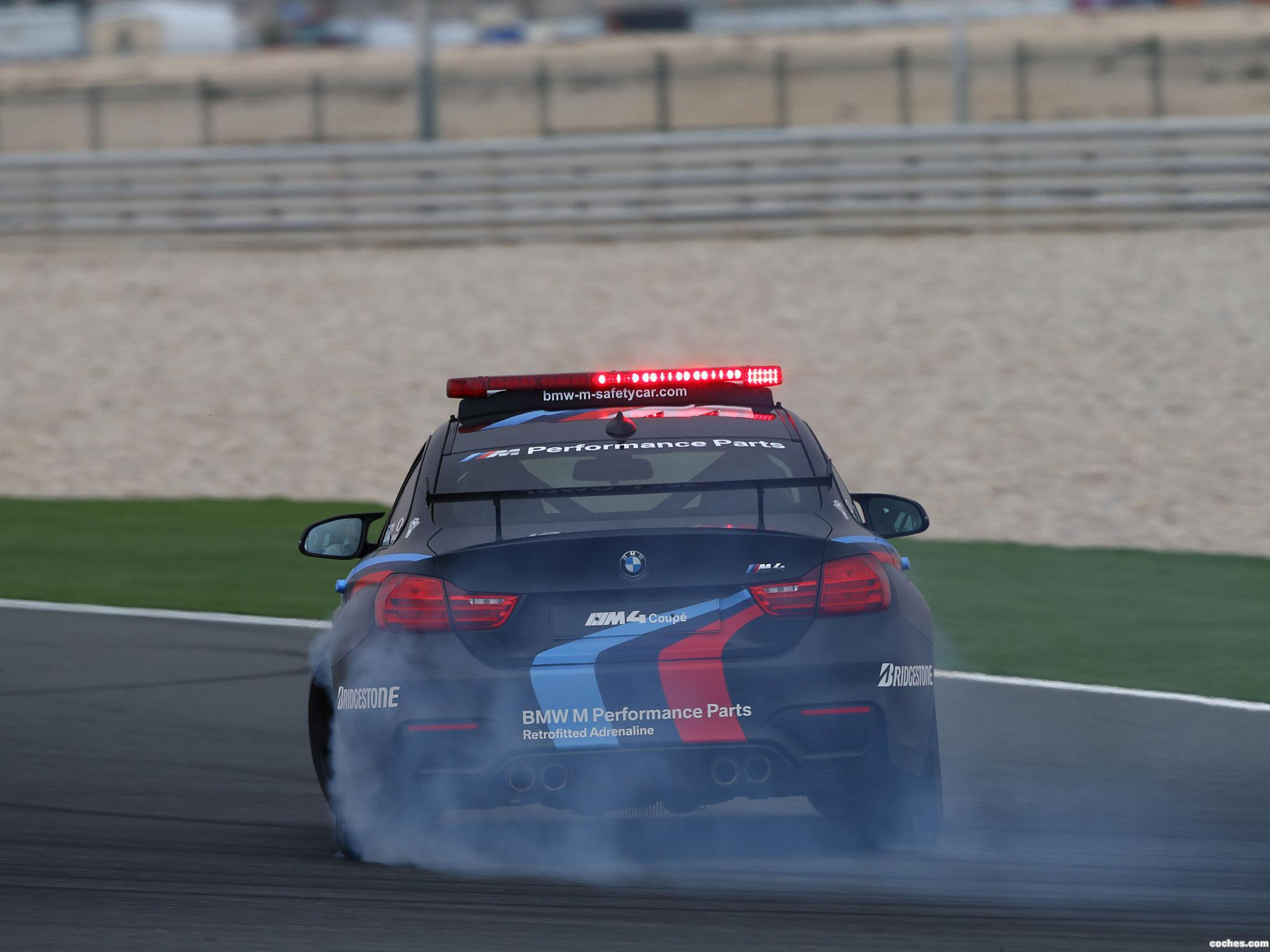 Foto 11 de BMW M4 Coupe MotoGP Safety Car F82 2015