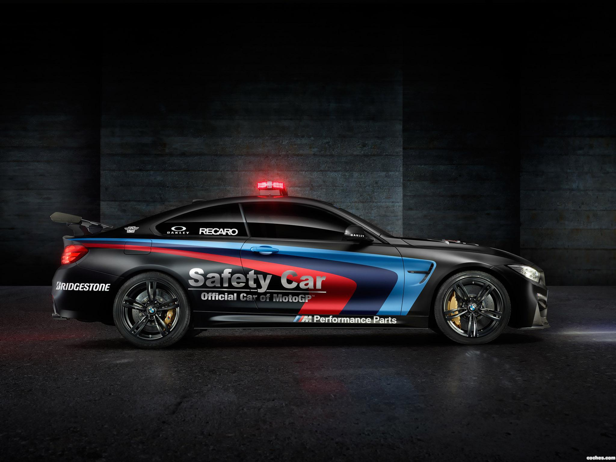 Foto 2 de BMW M4 Coupe MotoGP Safety Car F82 2015
