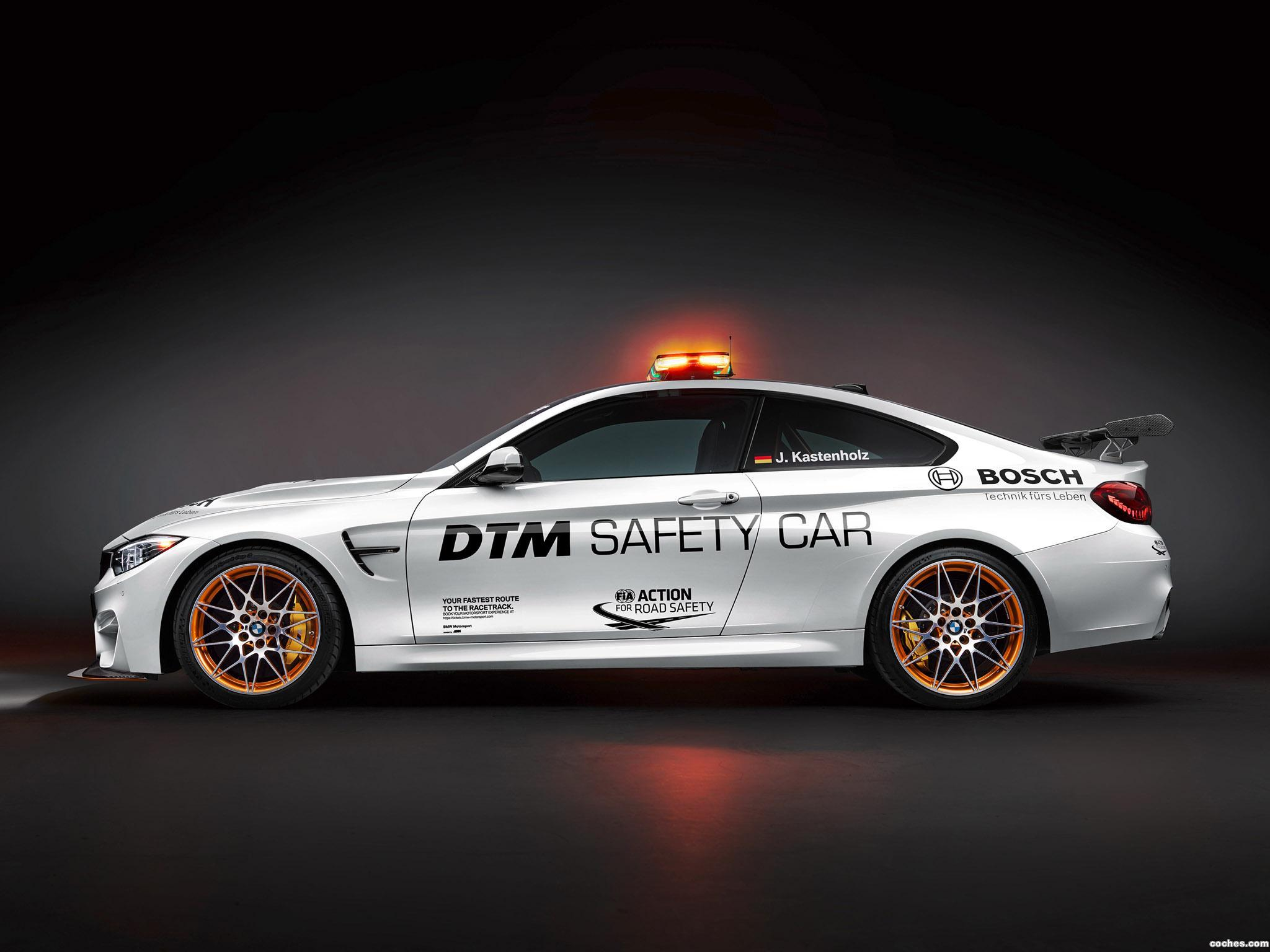 Foto 2 de BMW M4 GTS DTM Safety Car F82 2016