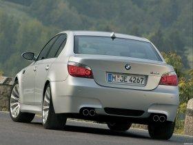 Ver foto 26 de BMW M5 2004