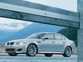 Ver foto 15 de BMW M5 2004
