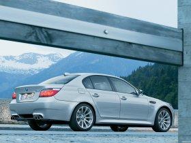 Ver foto 14 de BMW M5 2004
