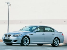 Ver foto 13 de BMW M5 2004