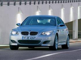 Ver foto 9 de BMW M5 2004
