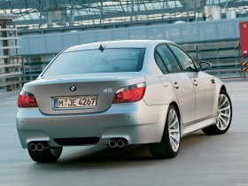 Ver foto 8 de BMW M5 2004