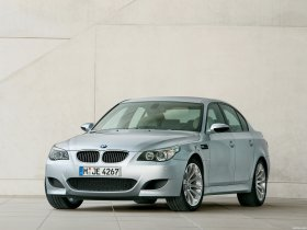 Ver foto 7 de BMW M5 2004