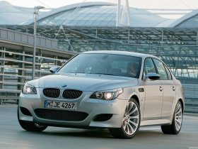 Fotos de BMW M5 2004