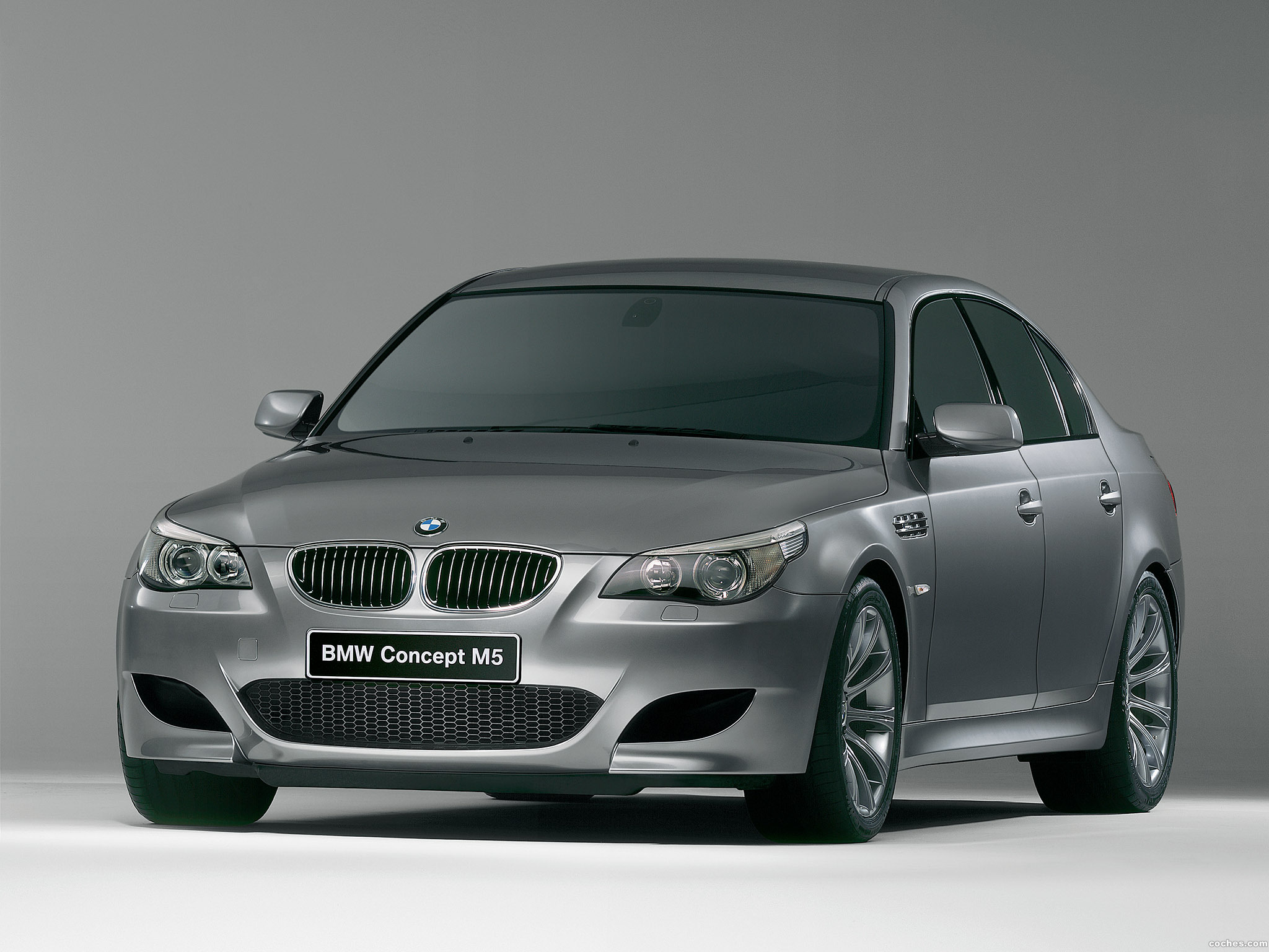 Foto 0 de BMW M5 Concept 2004