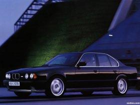 Ver foto 3 de BMW M5 Sedan E34 1988