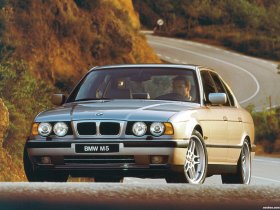 Fotos de BMW M5 Sedan E34 1994
