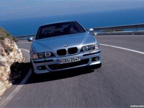 Ver foto 4 de BMW M5 Sedan E39 1998