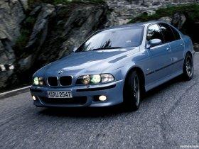 Ver foto 3 de BMW M5 Sedan E39 1998