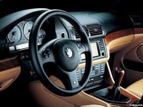 Ver foto 16 de BMW M5 Sedan E39 1998