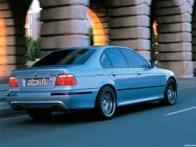 Ver foto 14 de BMW M5 Sedan E39 1998