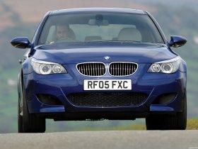 Ver foto 3 de BMW M5 Sedan UK E60 2004