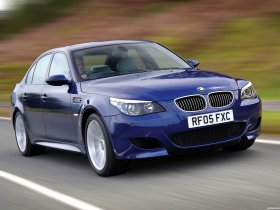 Ver foto 13 de BMW M5 Sedan UK E60 2004