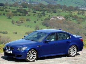 Ver foto 9 de BMW M5 Sedan UK E60 2004
