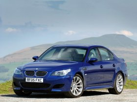 Ver foto 6 de BMW M5 Sedan UK E60 2004