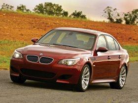 Ver foto 33 de BMW M5 Sedan USA E60 2004