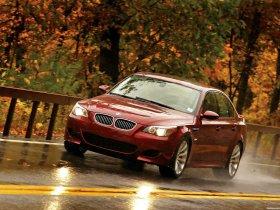 Ver foto 22 de BMW M5 Sedan USA E60 2004