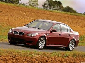 Ver foto 32 de BMW M5 Sedan USA E60 2004