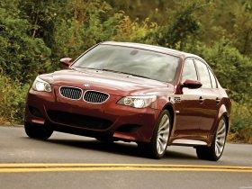 Ver foto 14 de BMW M5 Sedan USA E60 2004