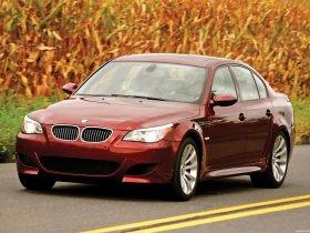 Ver foto 13 de BMW M5 Sedan USA E60 2004