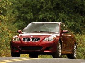 Ver foto 12 de BMW M5 Sedan USA E60 2004