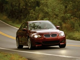 Ver foto 11 de BMW M5 Sedan USA E60 2004