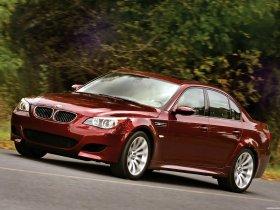 Ver foto 10 de BMW M5 Sedan USA E60 2004