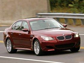 Ver foto 8 de BMW M5 Sedan USA E60 2004