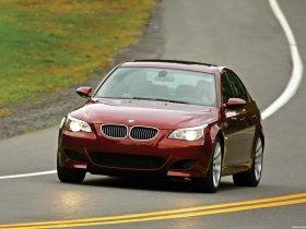 Ver foto 7 de BMW M5 Sedan USA E60 2004