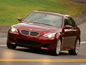 Ver foto 6 de BMW M5 Sedan USA E60 2004