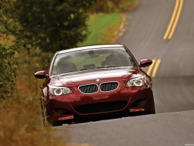 Ver foto 4 de BMW M5 Sedan USA E60 2004