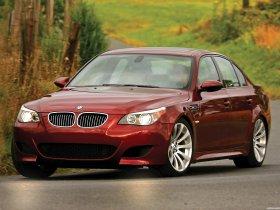 Ver foto 3 de BMW M5 Sedan USA E60 2004