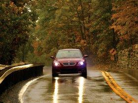 Ver foto 27 de BMW M5 Sedan USA E60 2004