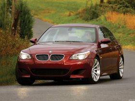 Ver foto 26 de BMW M5 Sedan USA E60 2004