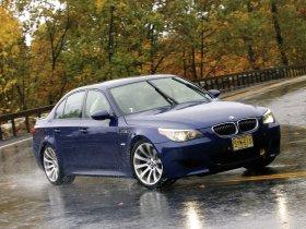 Ver foto 25 de BMW M5 Sedan USA E60 2004
