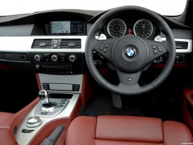 Ver foto 7 de BMW M5 Touring UK E61 2007