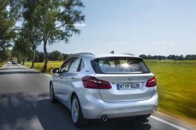 Ver foto 1 de BMW Serie 2 Active Tourer Híbrido 2016