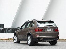 Ver foto 2 de BMW X5 xDrive50i E70 2010