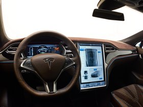 Ver foto 17 de Brabus Tesla Model S 2015