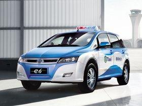 Ver foto 1 de BYD E6 Taxi 2012