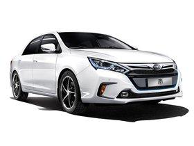 Ver foto 2 de BYD Qin Hybrid 2013