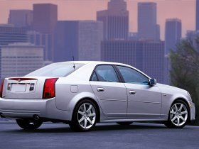 Ver foto 11 de Cadillac CTS-V 2004