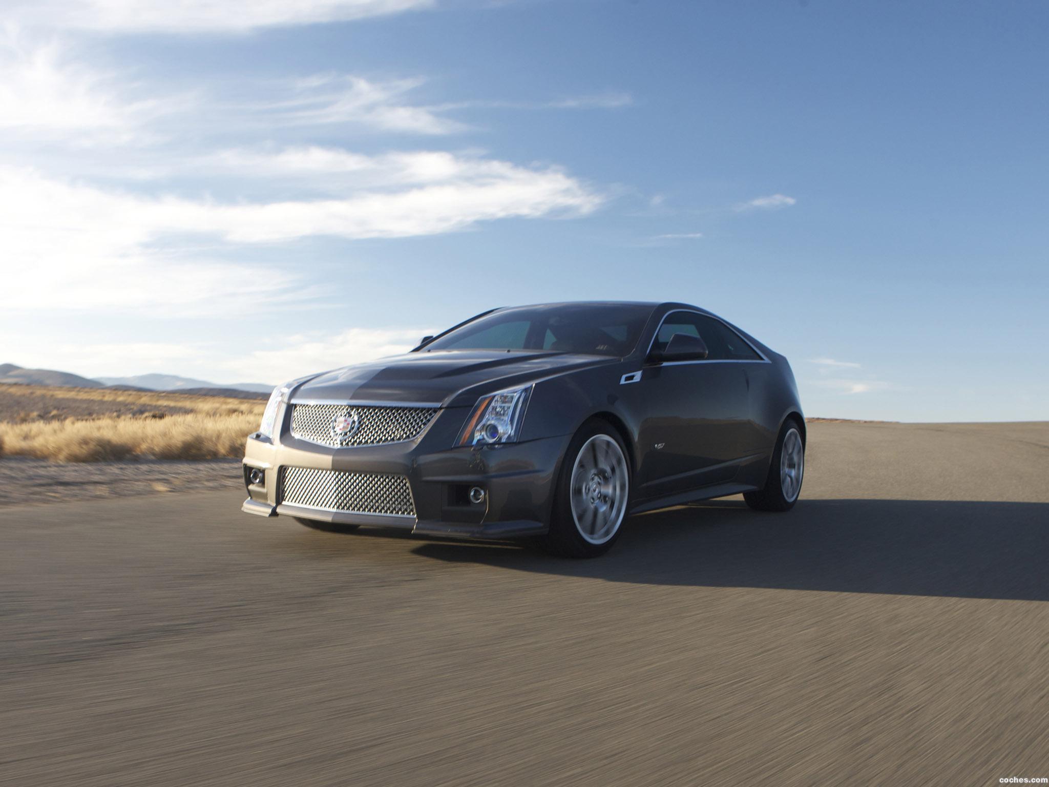 Foto 2 de Cadillac CTS-V Coupe 2011