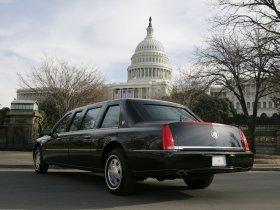 Ver foto 3 de Cadillac DTS Presidential Limousine 2006